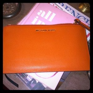 NWT Michael Kors leather Jet Set wristlet